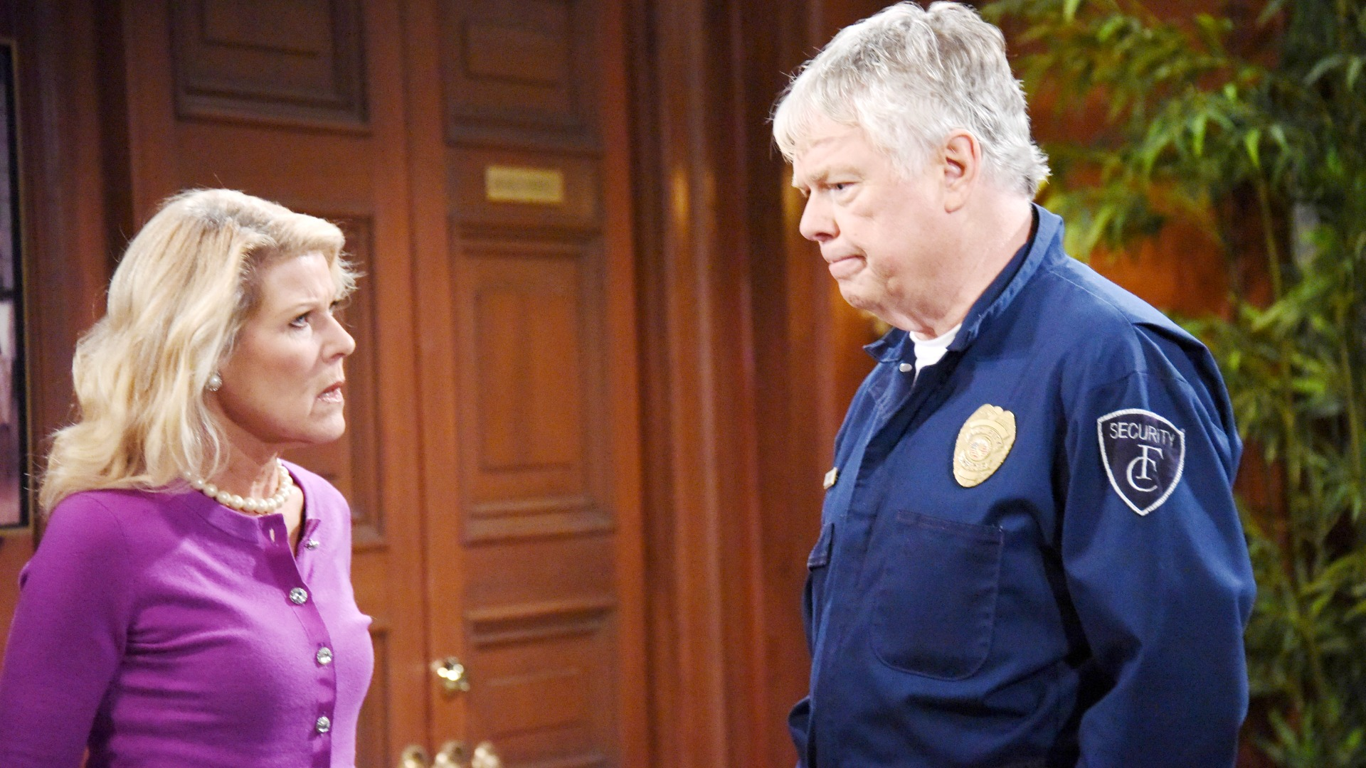 Charlie confesses to Pam about suspicions he has regarding Ridge and Quinn's loyalty to their significant others.
