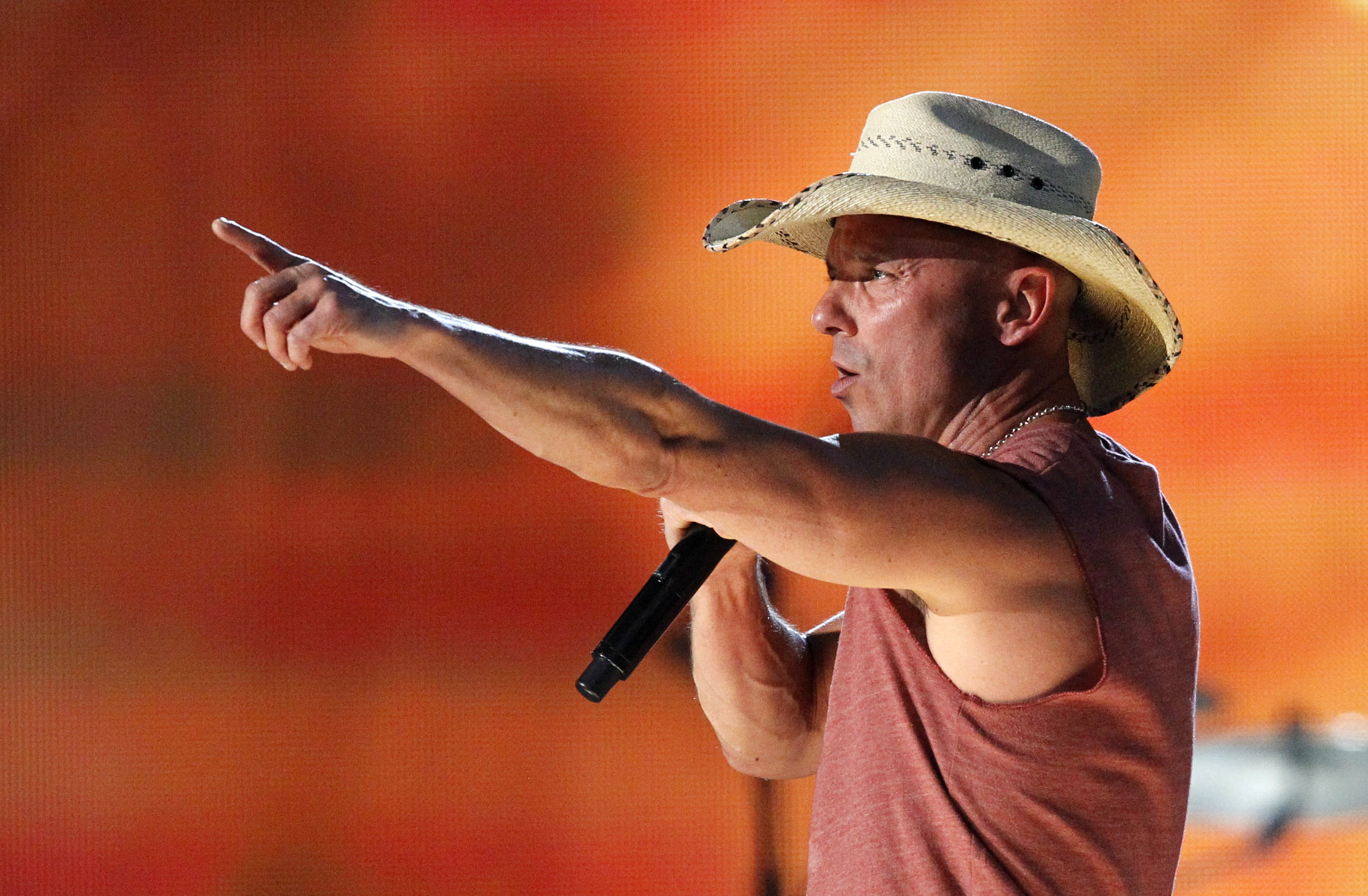 4. Kenny Chesney