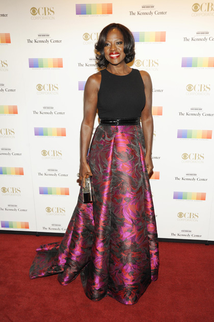 Actress Viola Davis dazzles in this bold number.