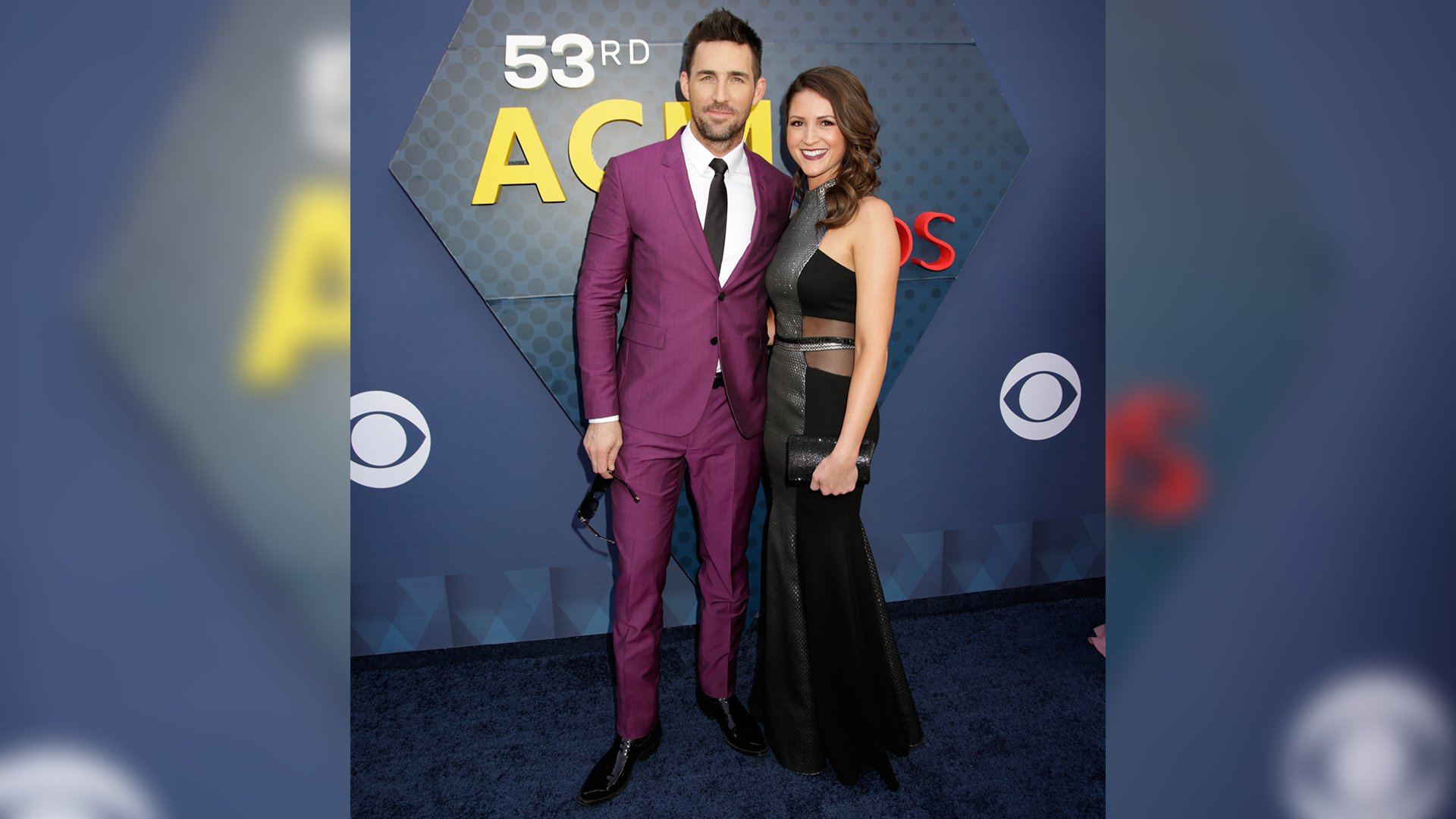 Jake Owen pops in purple on the 53rd ACM Awards red carpet.