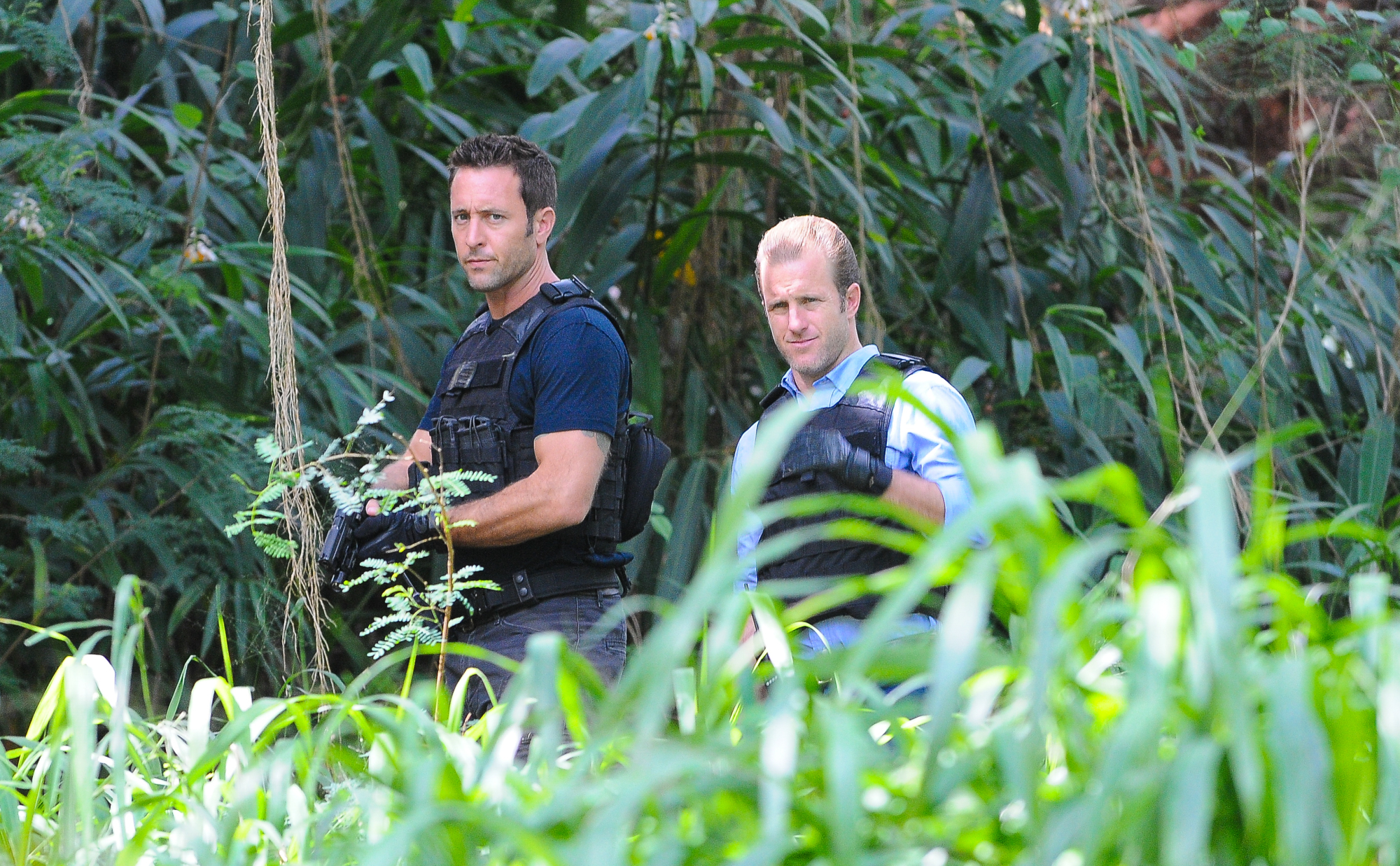 Alex O'Loughlin as Steve McGarrett and Scott Caan as Danny