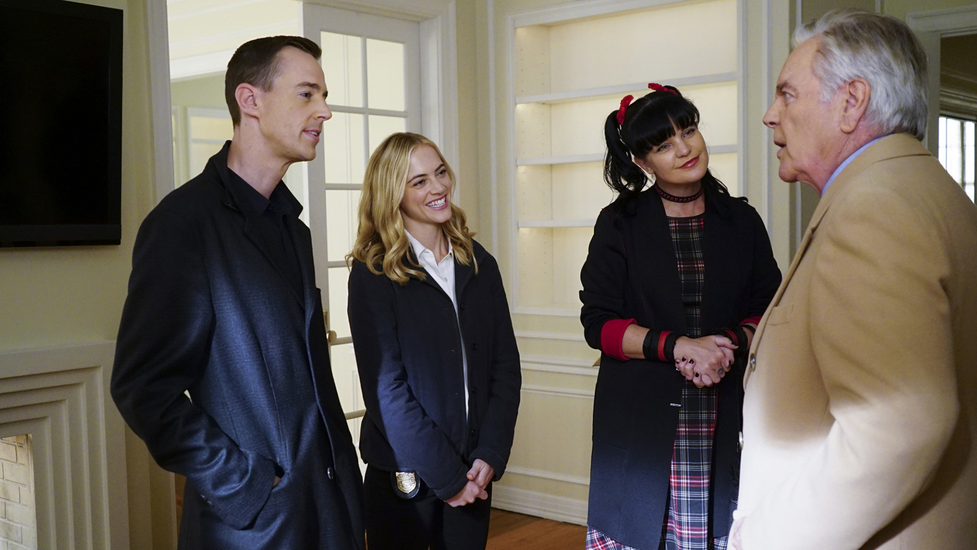 DiNozzo, Sr. offers up Tony's apartment to the NCIS family.