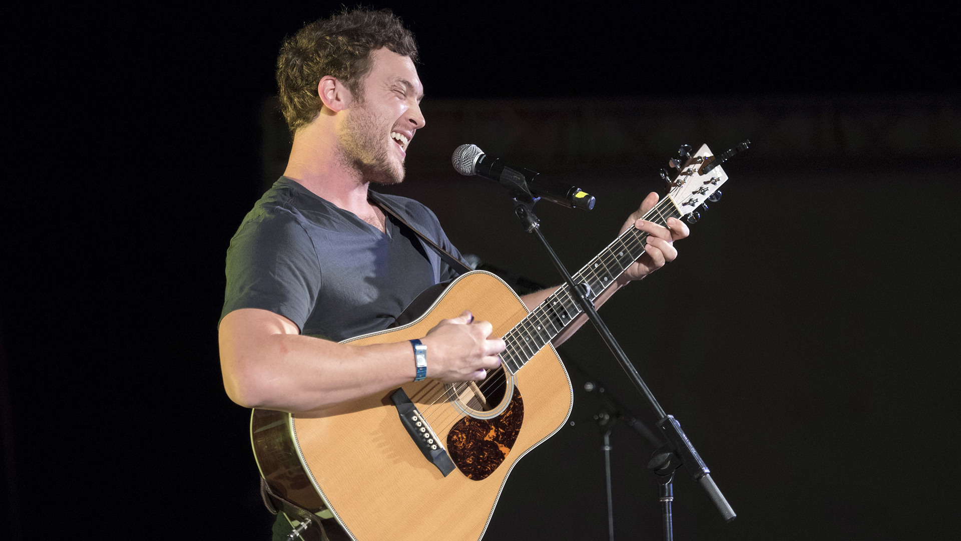 Musical artist Phillip Phillips performs for the crowd.