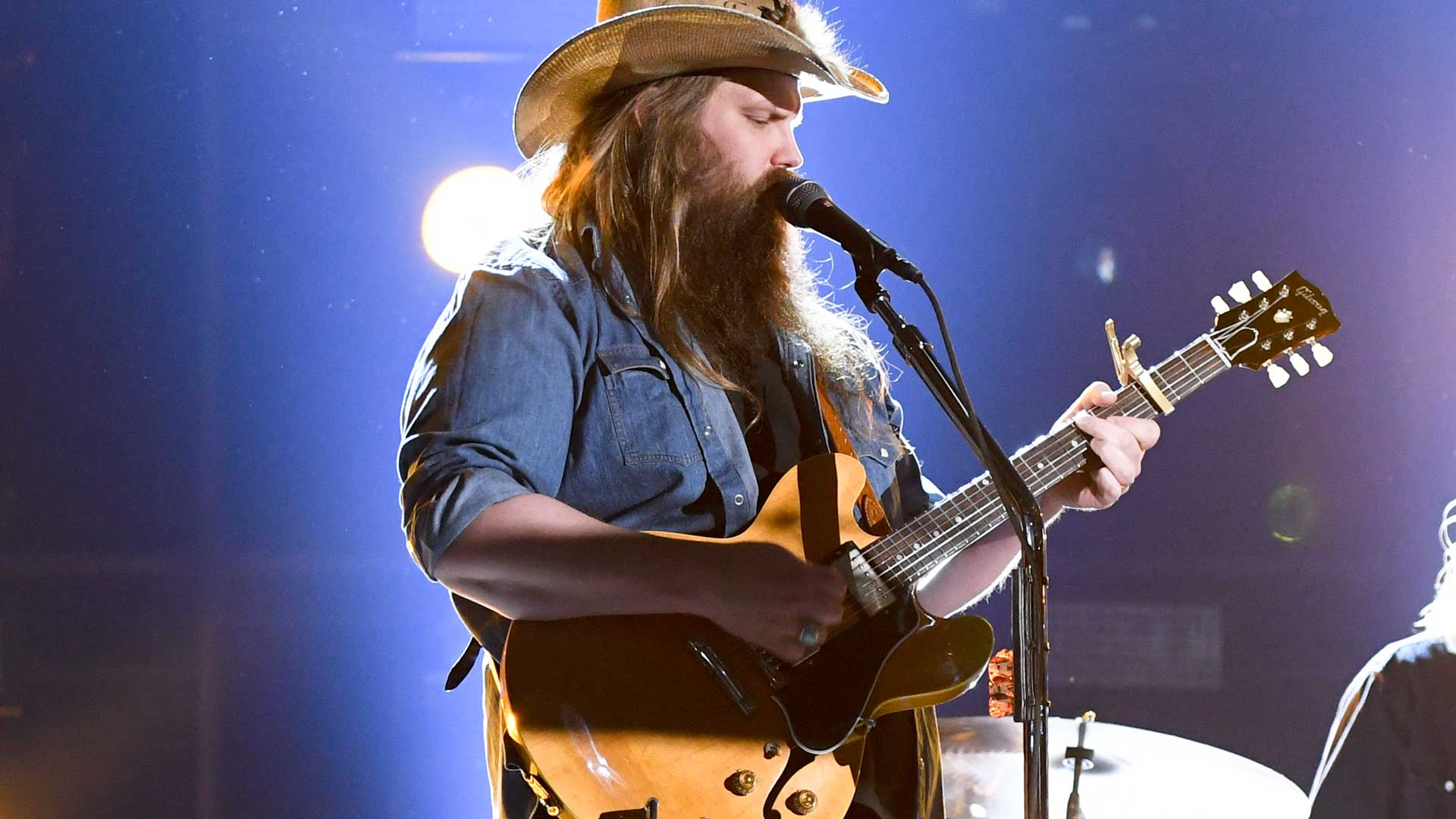 Chris Stapleton is one Traveller who will park in Sin City on Sunday, April 2.