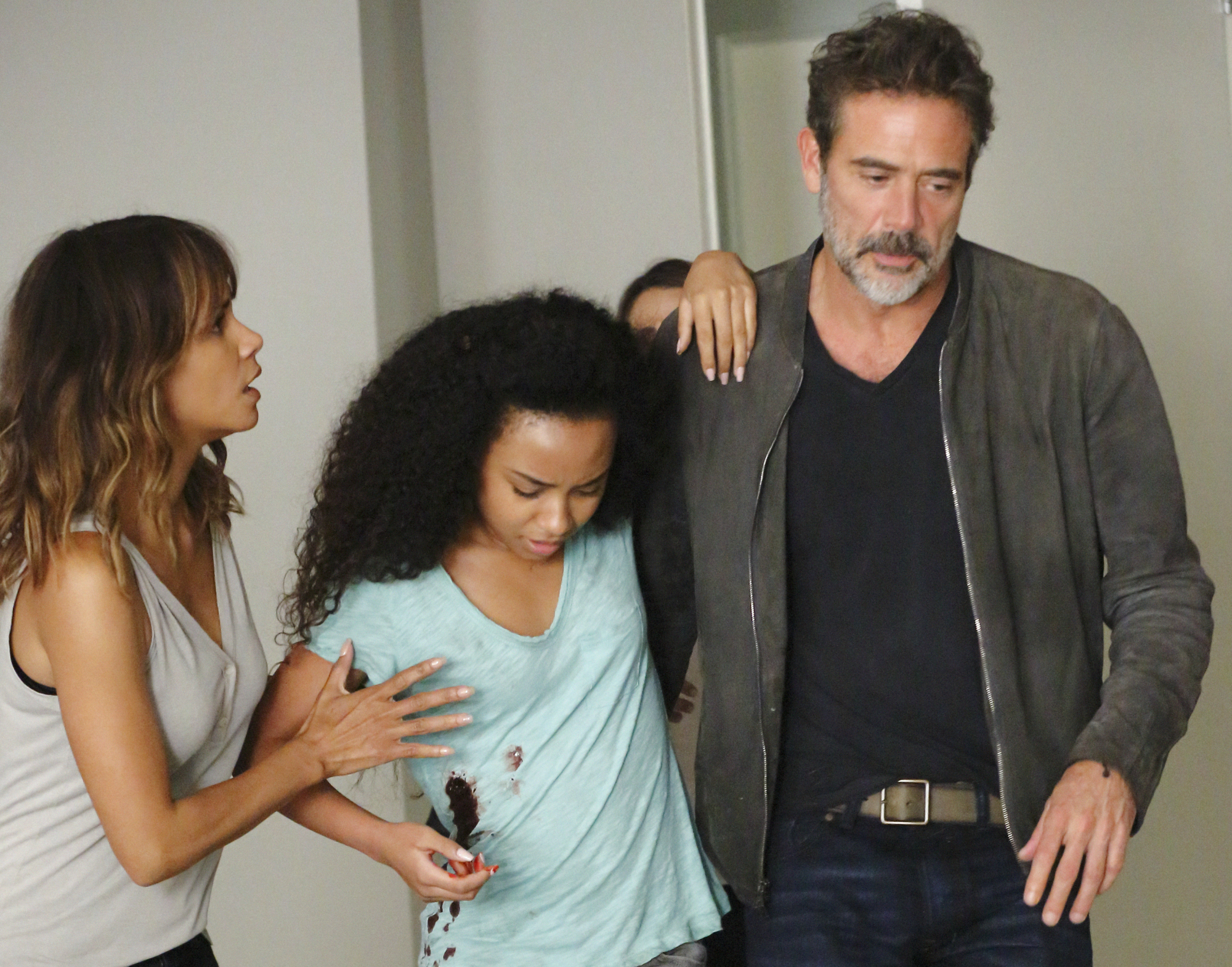 Halle Berry as Molly Woods, McKenna Roberts as Terra, and Jeffrey Dean Morgan as JD Richter.