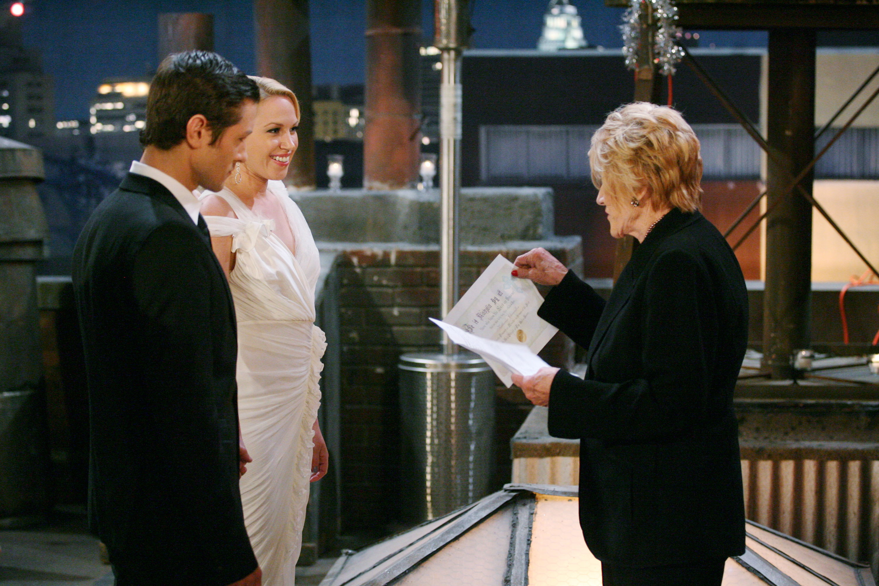 Katherine Chancellor officiated Daniel Romalotti and Amber Moore's marriage.