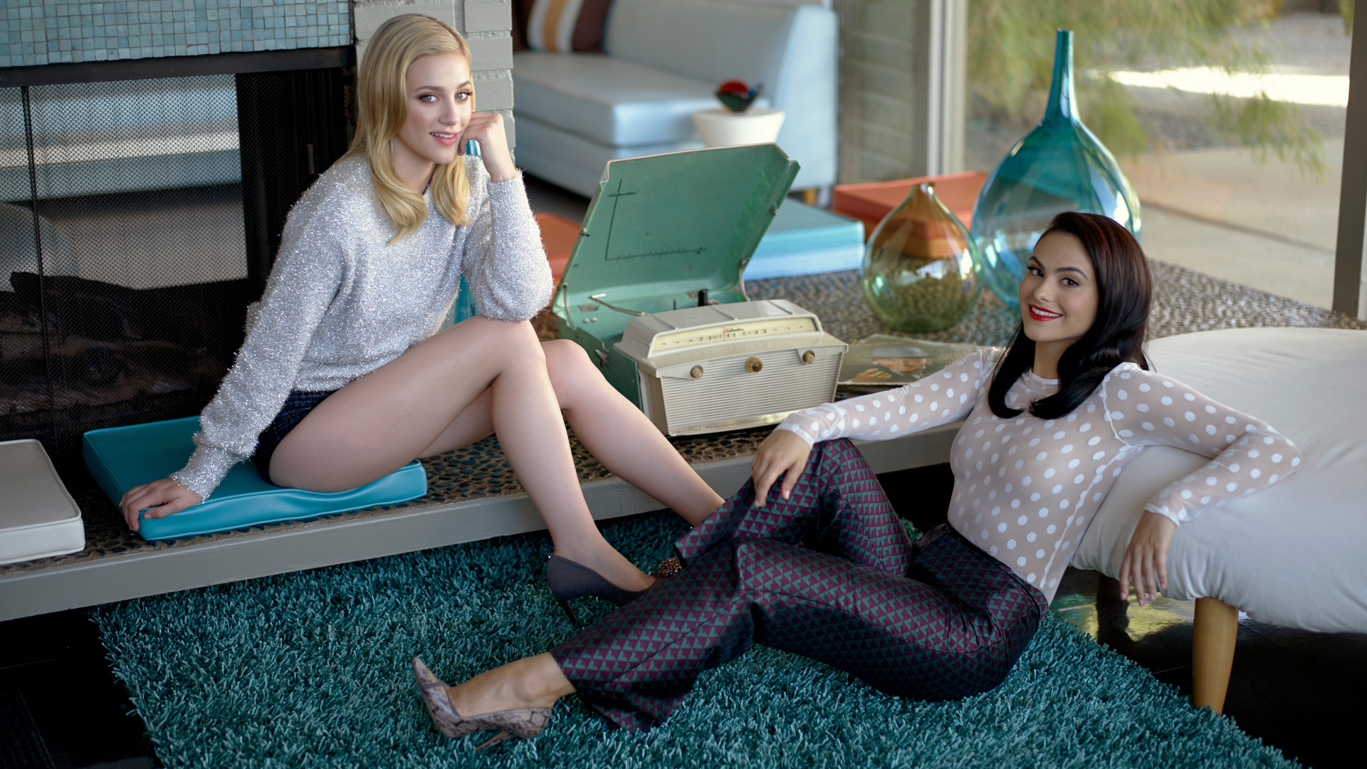 Betty and Veronica of Riverdale look insanely gorgeous in this 1950s-inspired photo shoot.