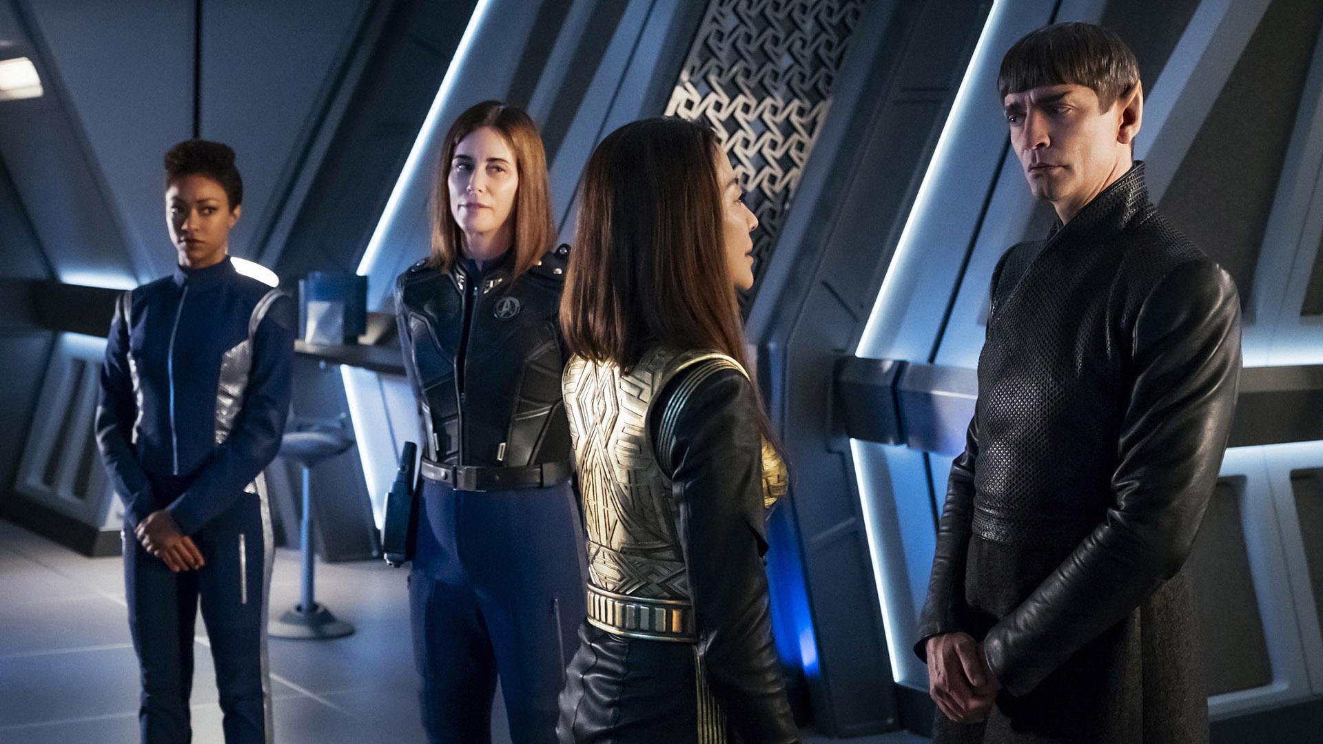 Michael Burnham (Sonequa Martin-Green), Admiral Cornwell (Jayne Brook), Mirror Philippa Georgiou (Michelle Yeoh), and Ambassador Sarek (James Frain)