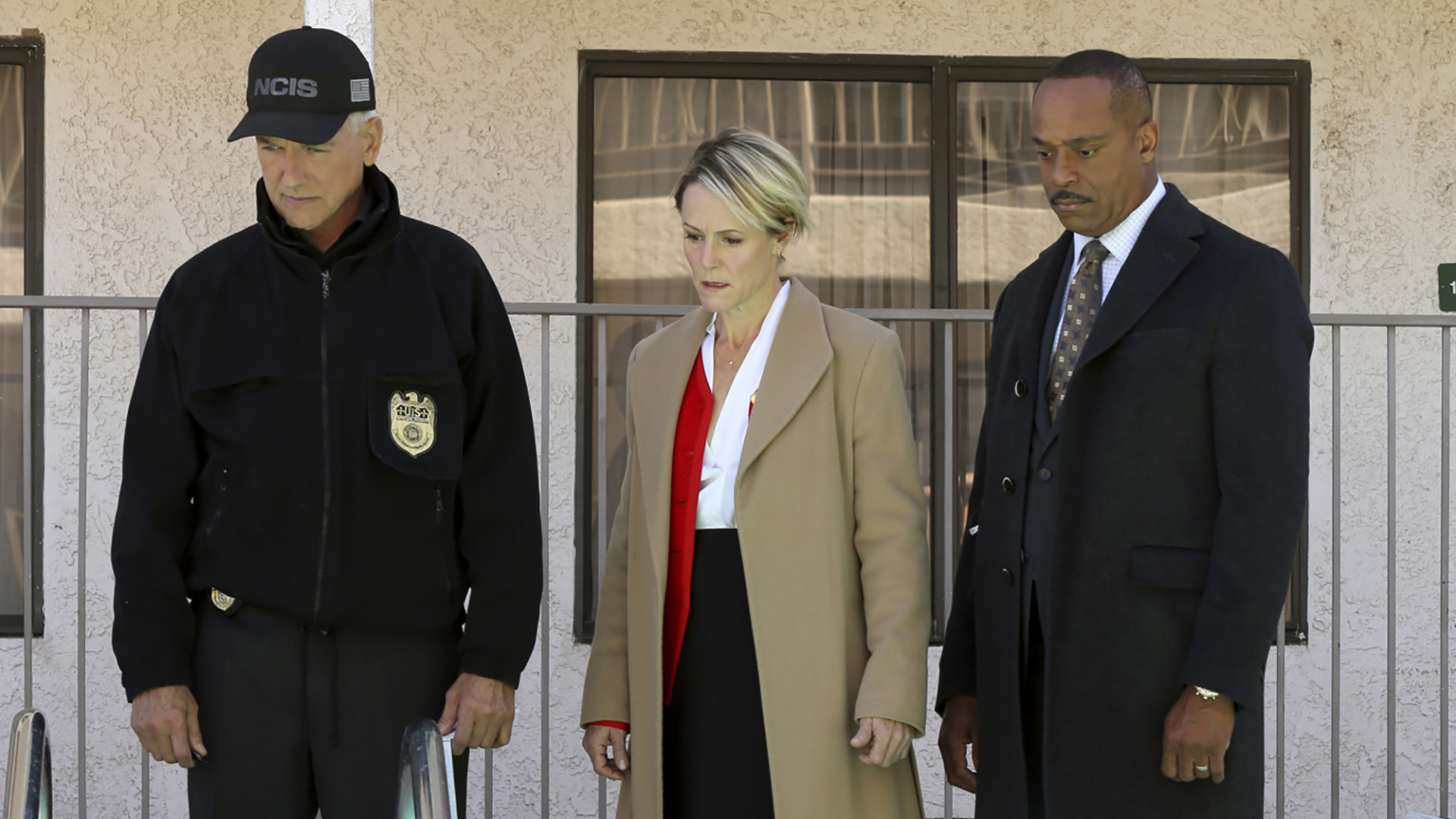 Gibbs, the Congresswoman, and Vance take in the crime scene.