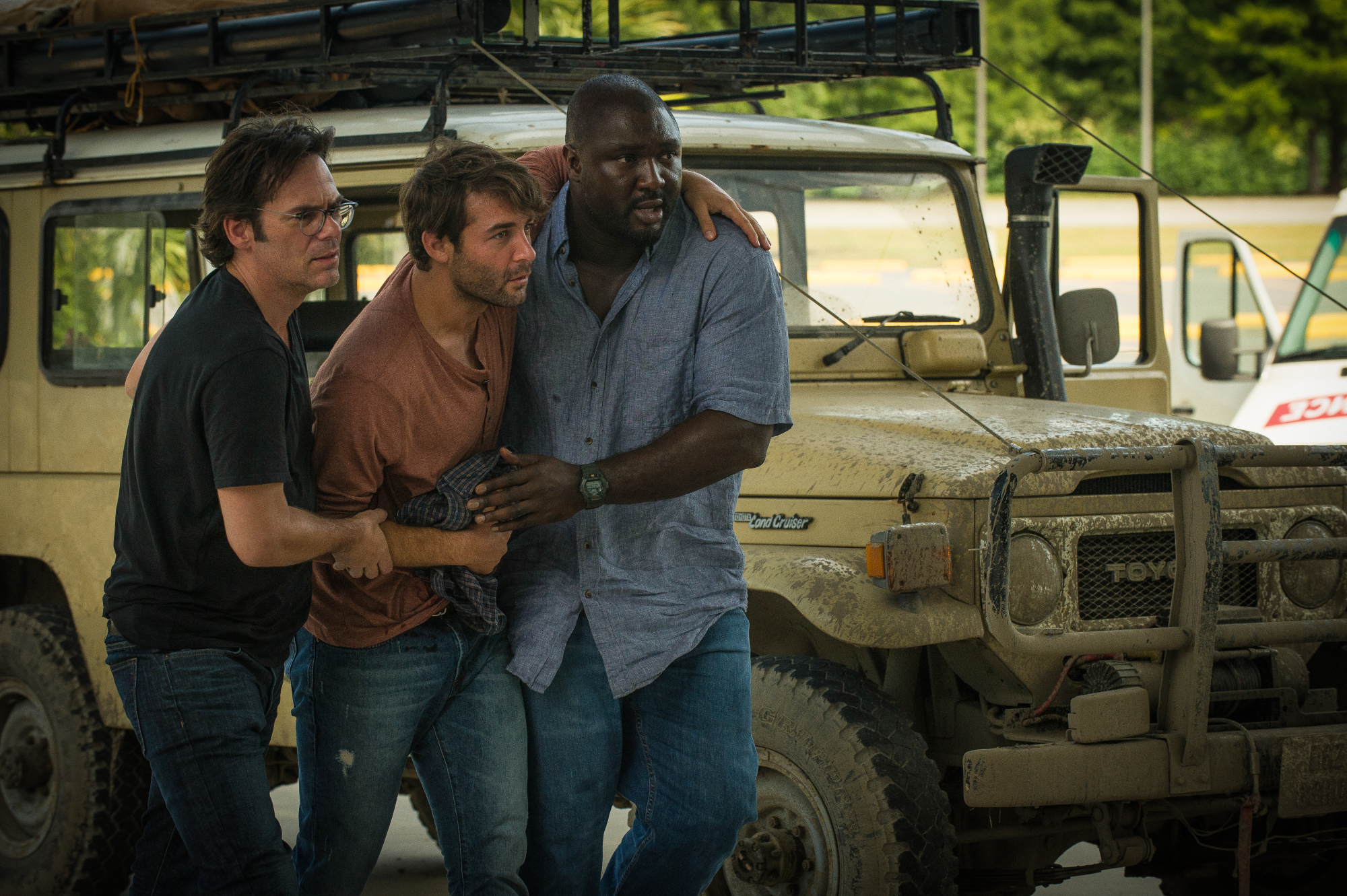 Billy Burke as Mitch Morgan, James Wolk as Jackson Oz, and Nonso Anozie as Abraham Kenyatta.