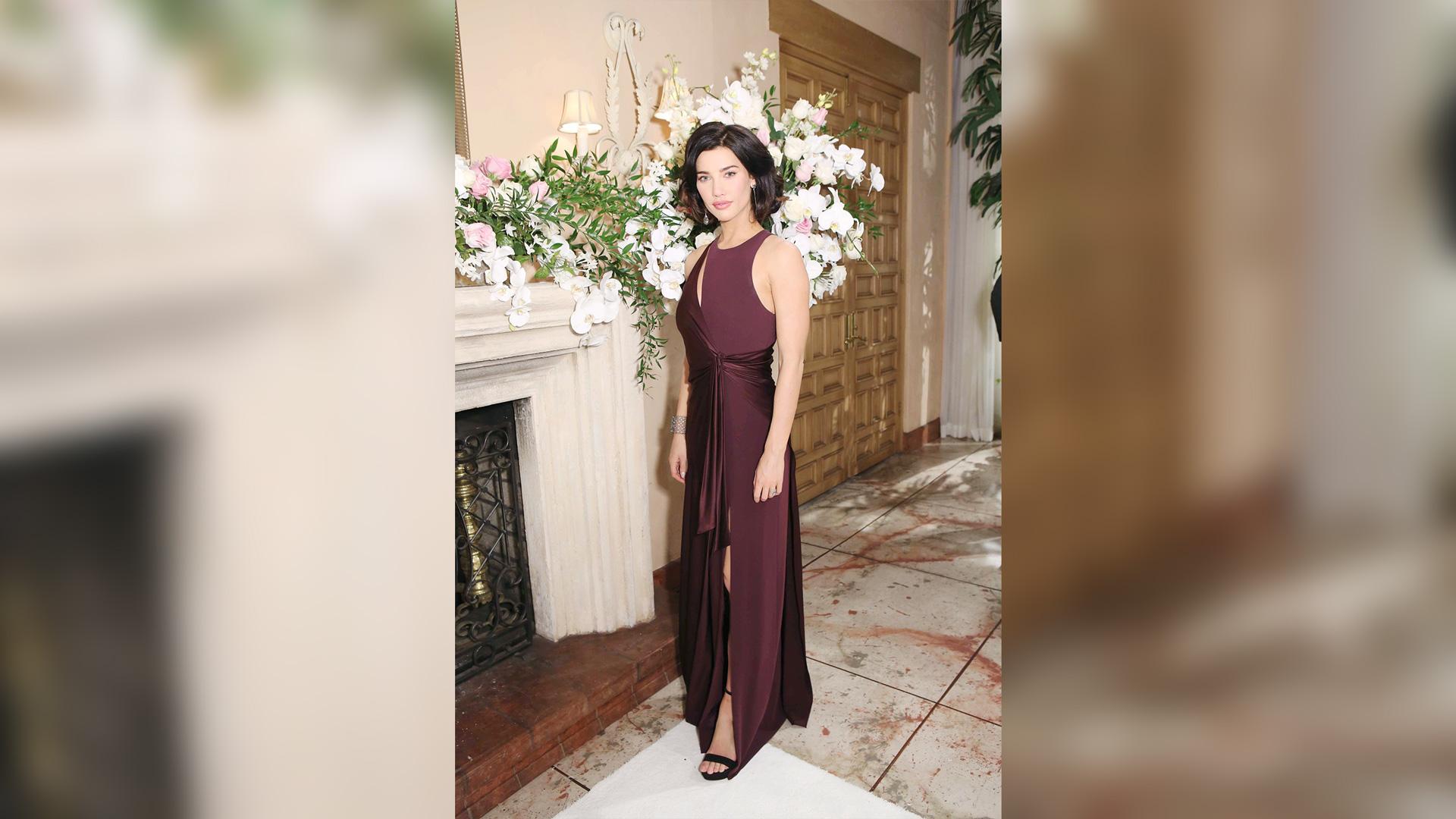 Steffy Forrester (Jacqueline MacInnes Wood) in a stunning evening dress.