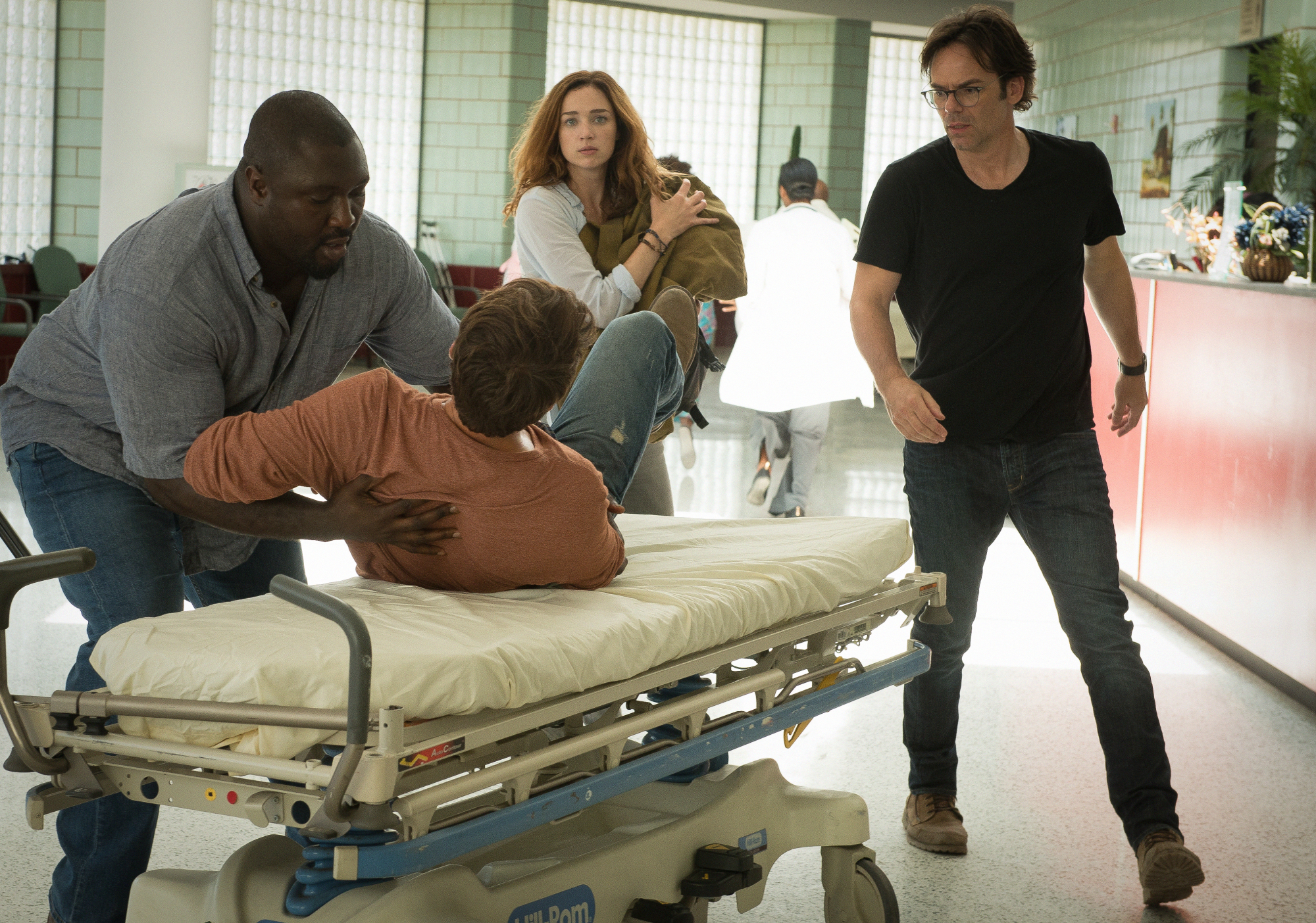 Nonso Anozie as Abraham Kenyatta, James Wolk as Jackson Oz, Kristen Connolly as Jamie Campbell, and Billy Burke as Mitch Morgan.
