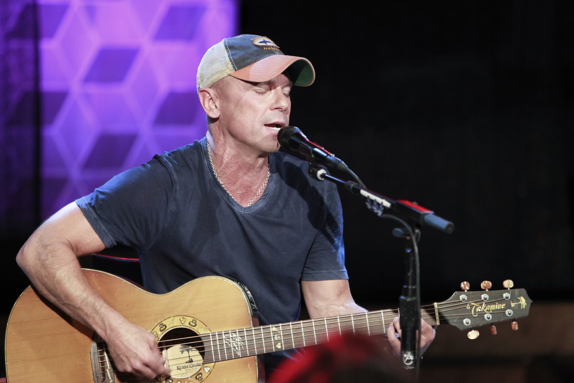 8. Kenny Chesney Performs