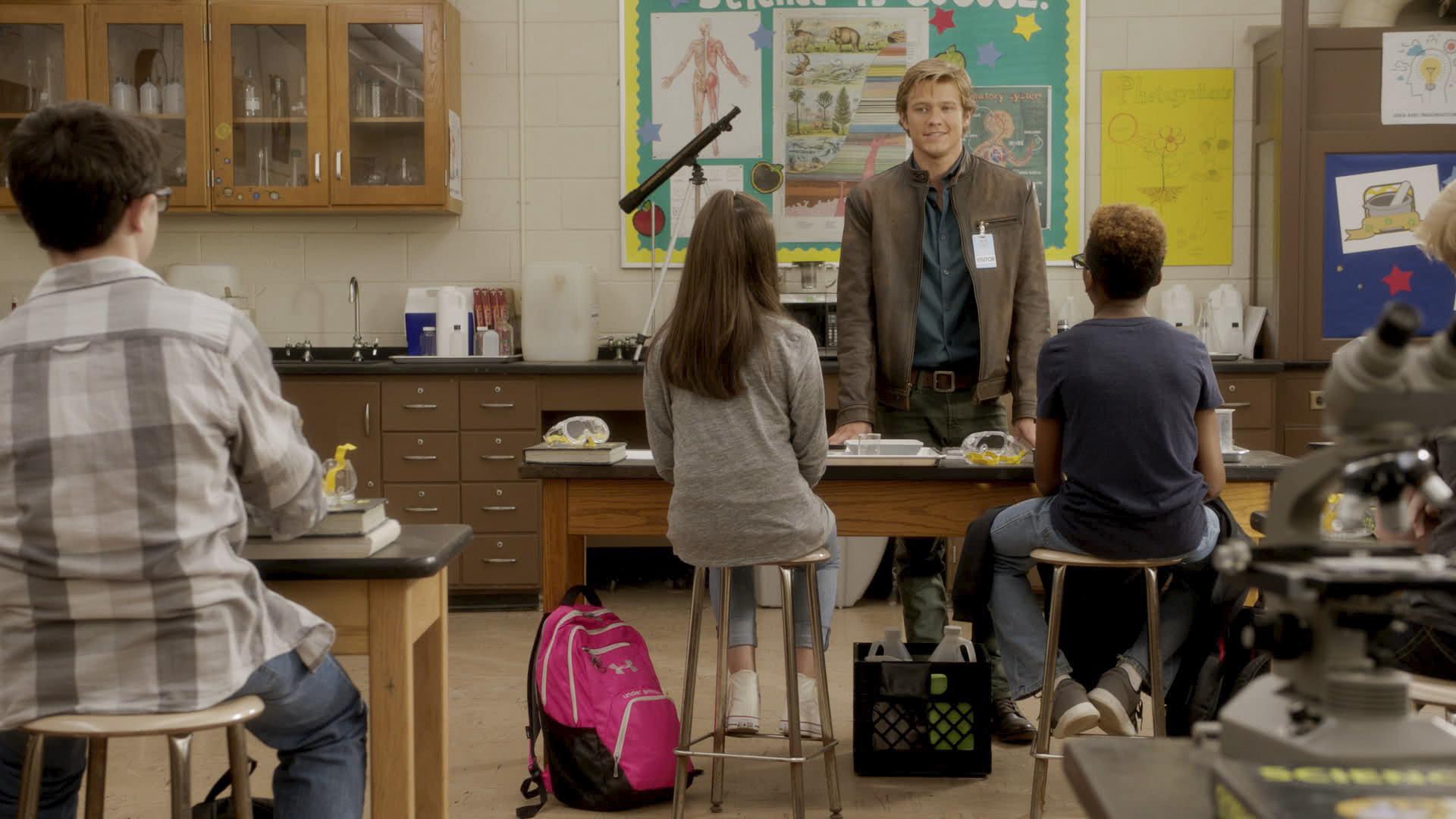 Mac surprises his hometown school's science class.