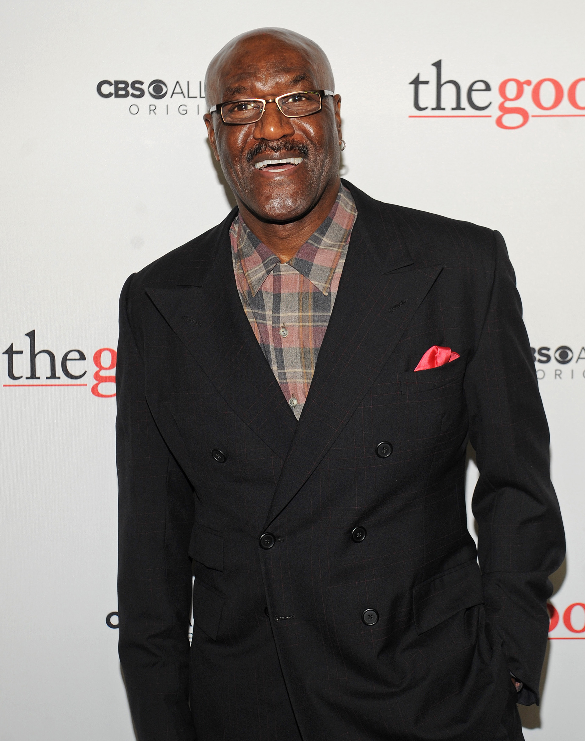 The always-dapper Delroy Lindo matched his pocket square with the red carpet!