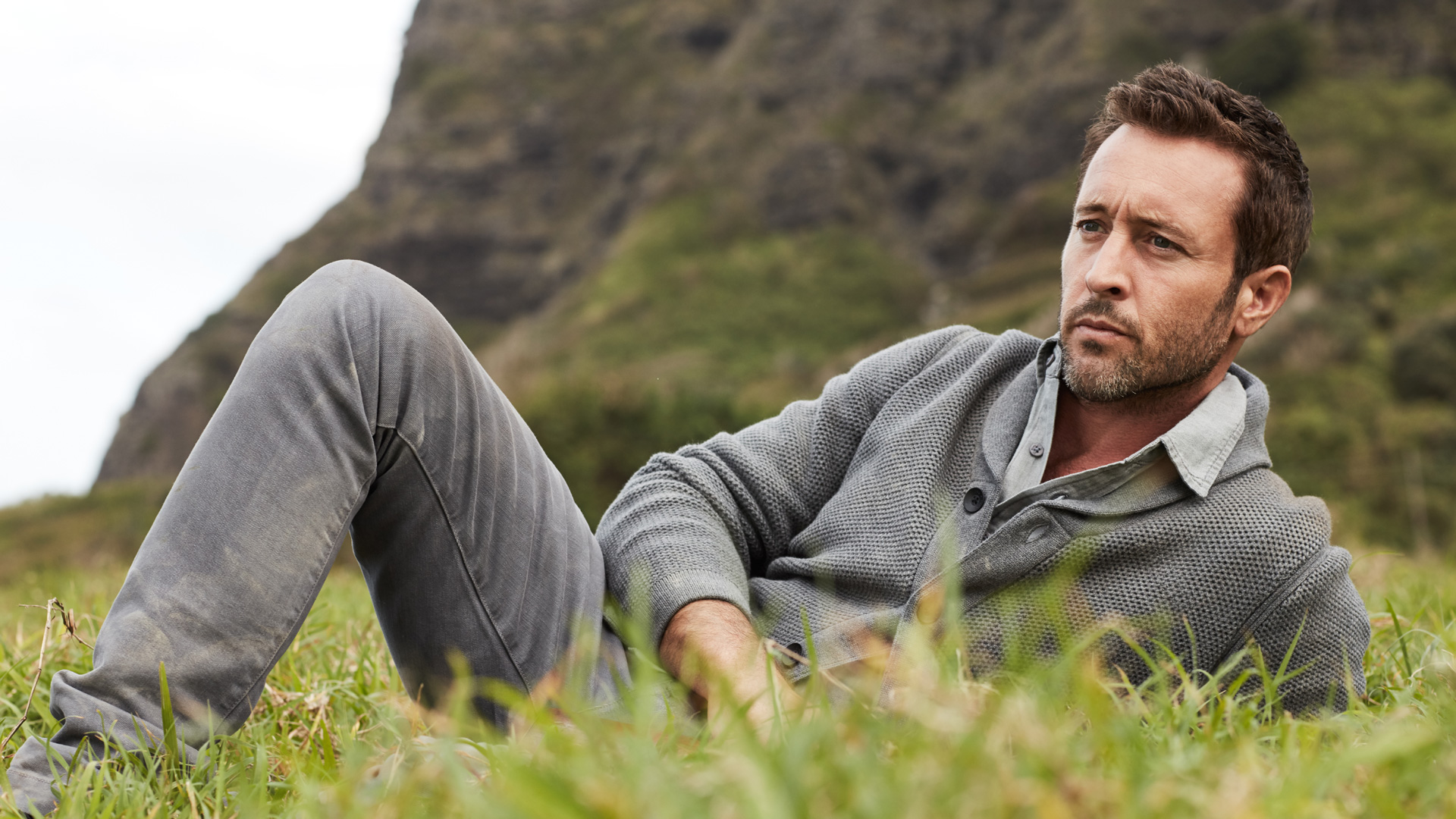 Alex O'Loughlin communes with nature