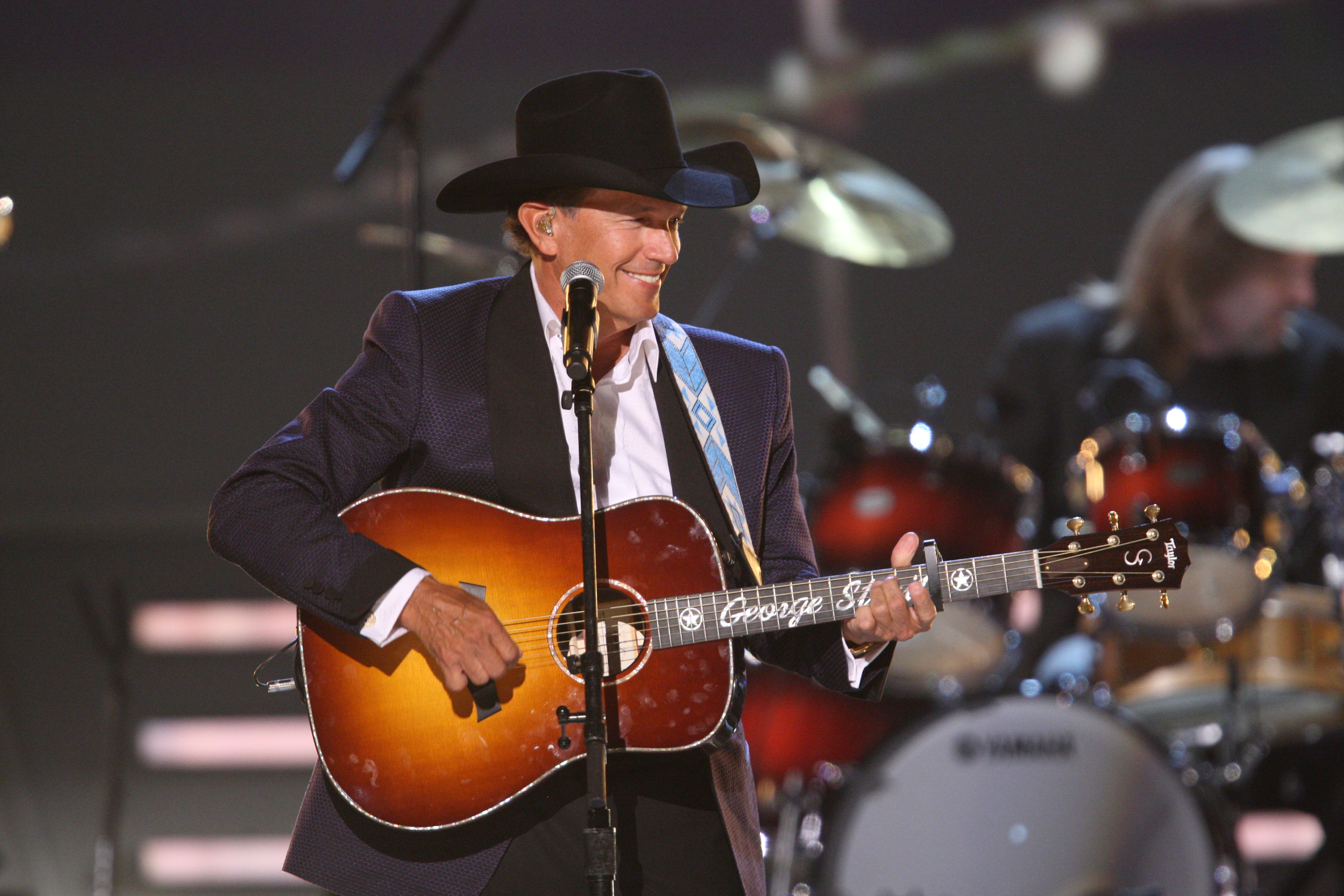 George Strait scheduled to perform on the 48th annual ACM Awards