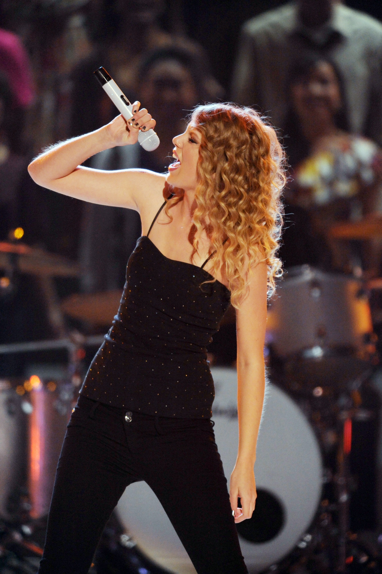 Reigning Entertainer of the Year winner Taylor Swift will perform at the ACM Awards