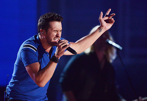 4. Luke Bryan boasted his color-coordination skills.