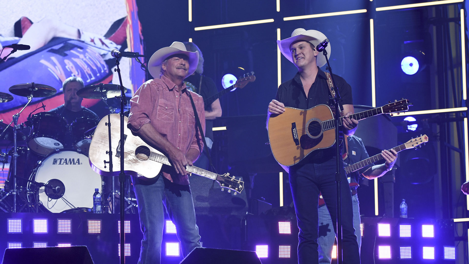 Alan Jackson and Jon Pardi are all smiles prepping for their
