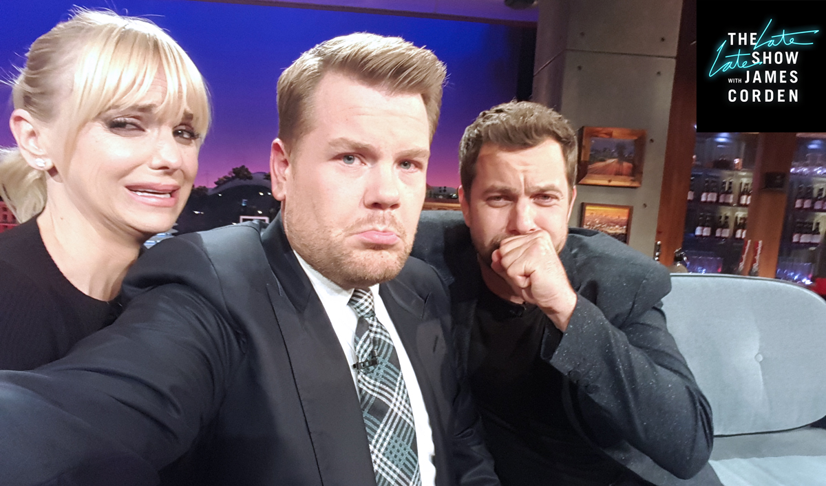 Anna Faris showing Joshua Jackson and James how to fake cry