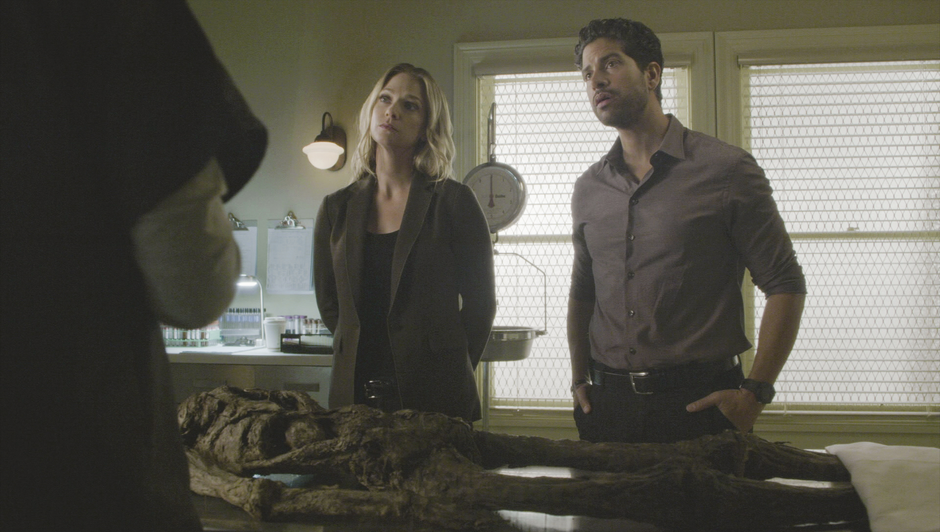 JJ and Alvez stop by the coroner's office.