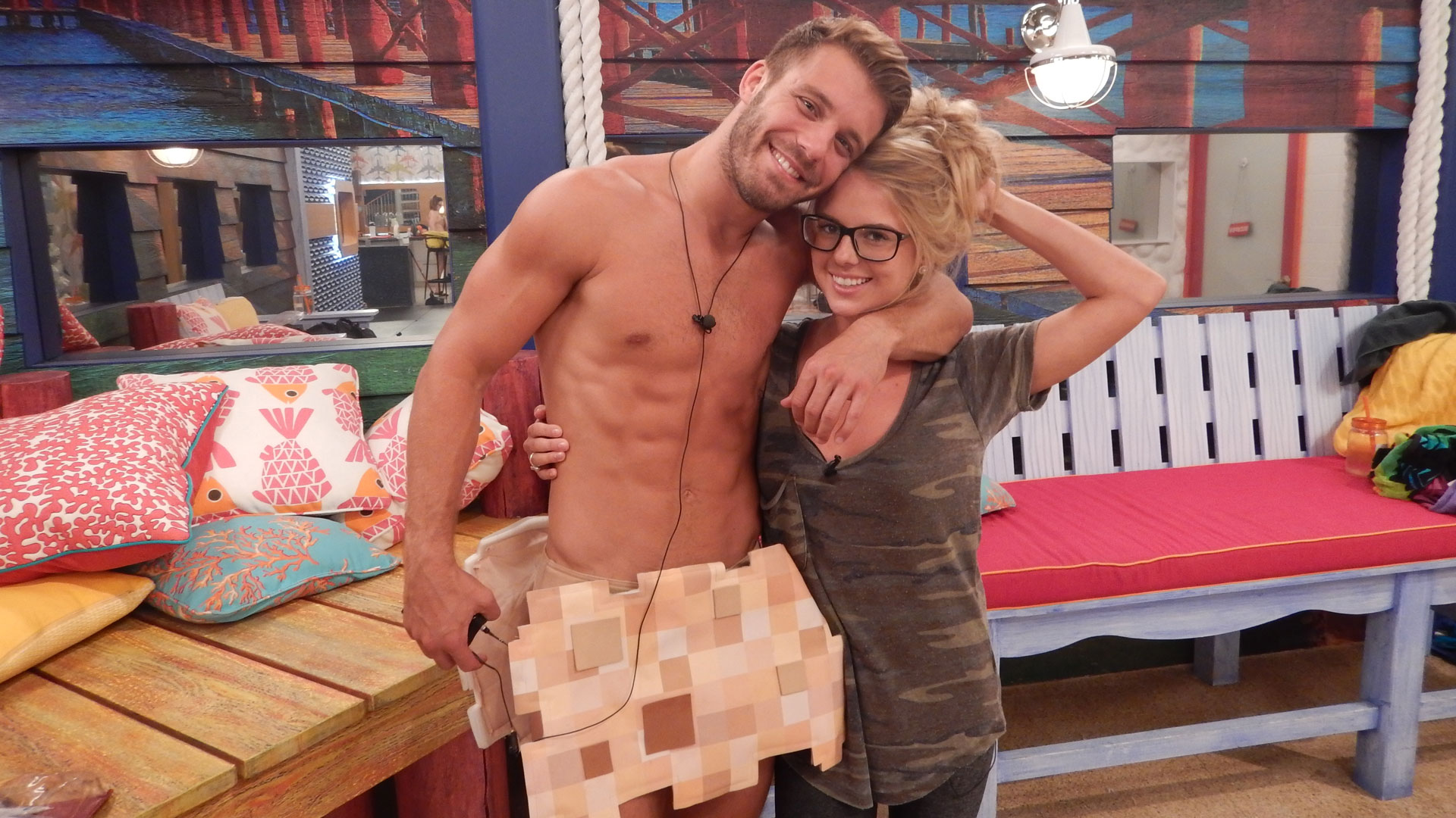 Paulie cozies up to Nicole for a snapshot.