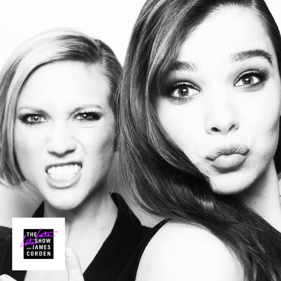 Brittany Snow and Hailee Steinfeld