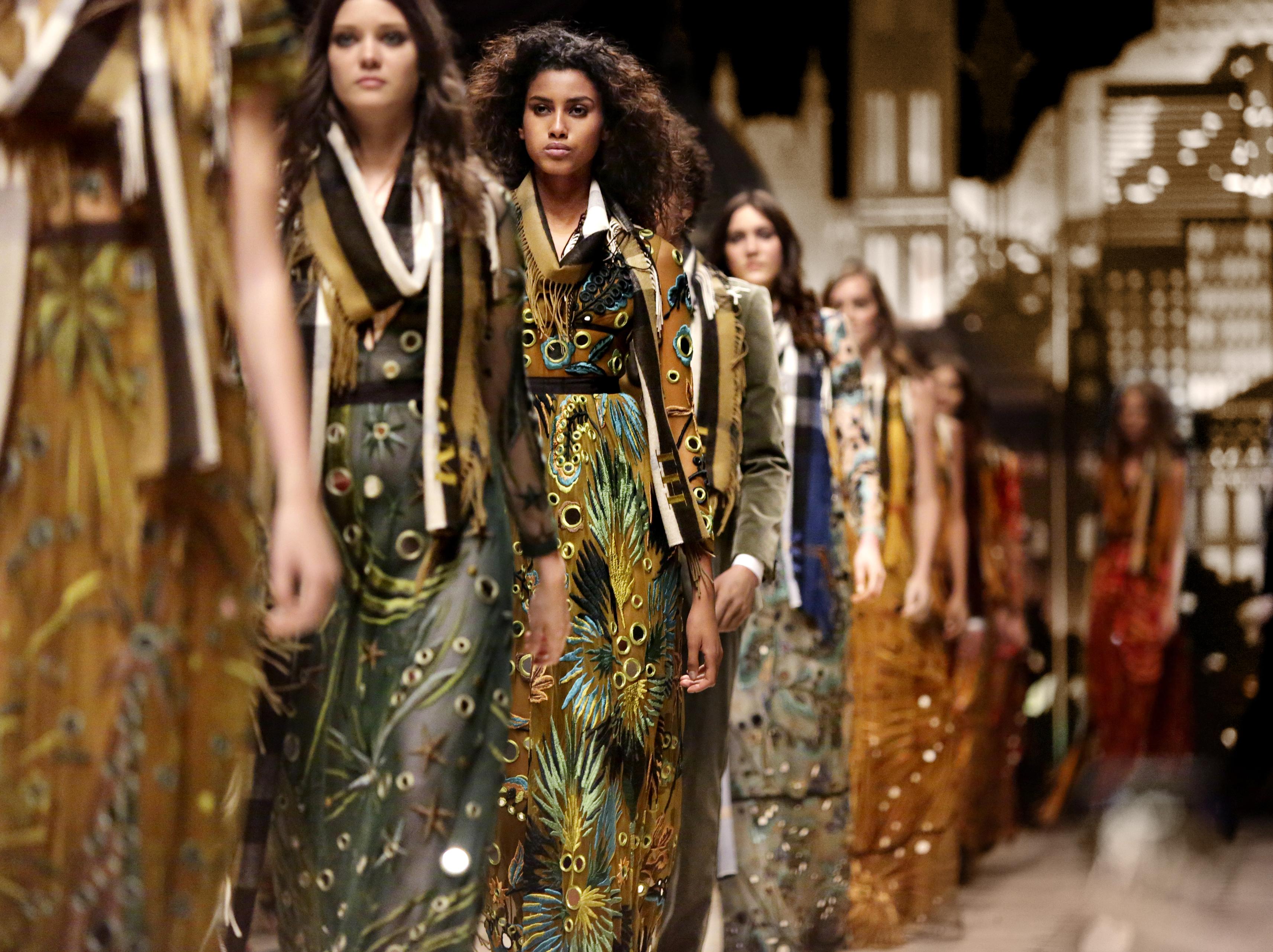 The supermodel parade really heats up the catwalk.