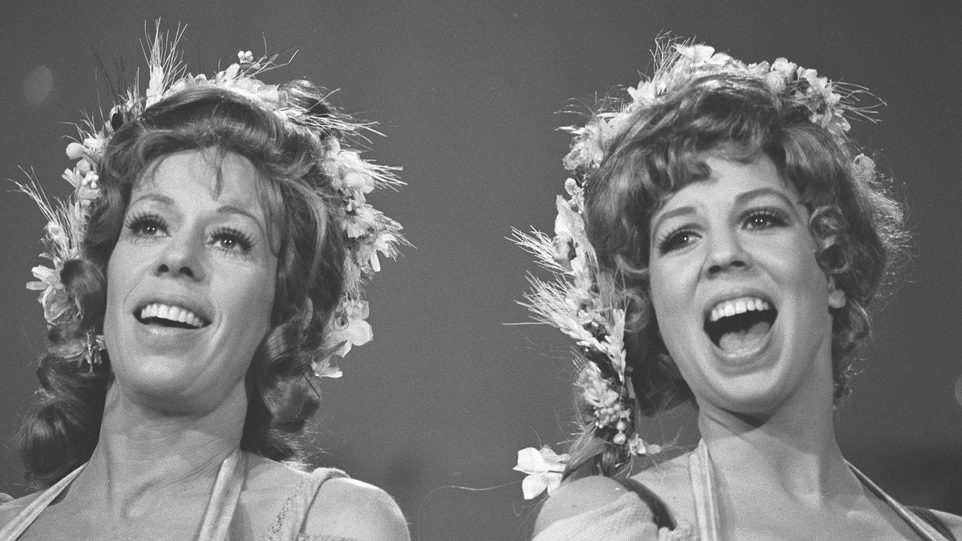 Carol Burnett singing with co-star Vicki Lawrence.