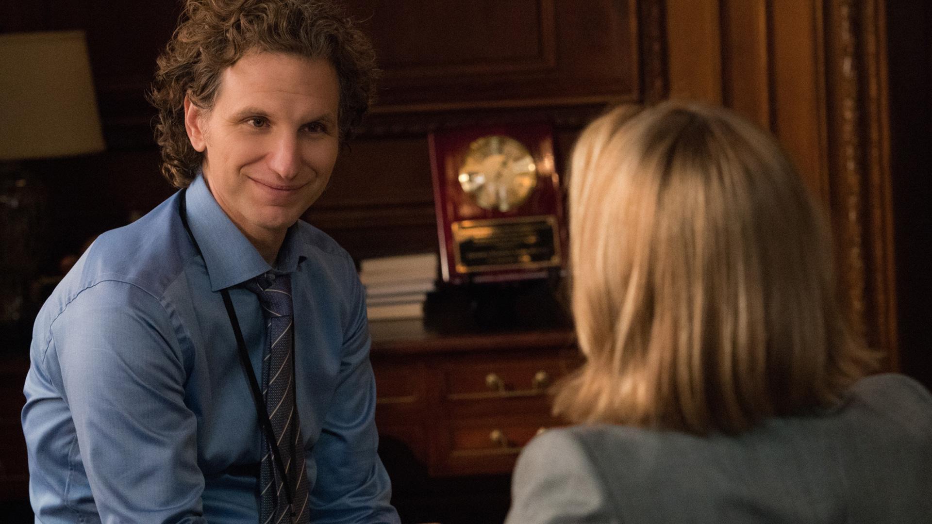 Sebastian Arcelus (Jay Whitman) smiles at Téa Leoni (Elizabeth McCord).
