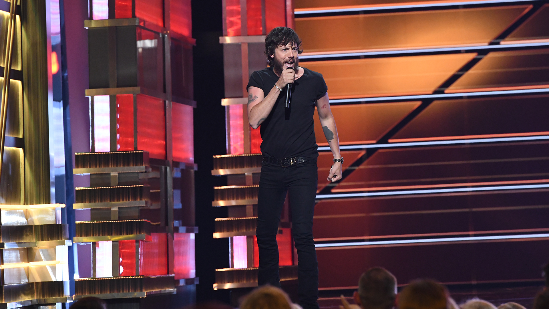 Chris Janson closes out the show with an energetic performance of