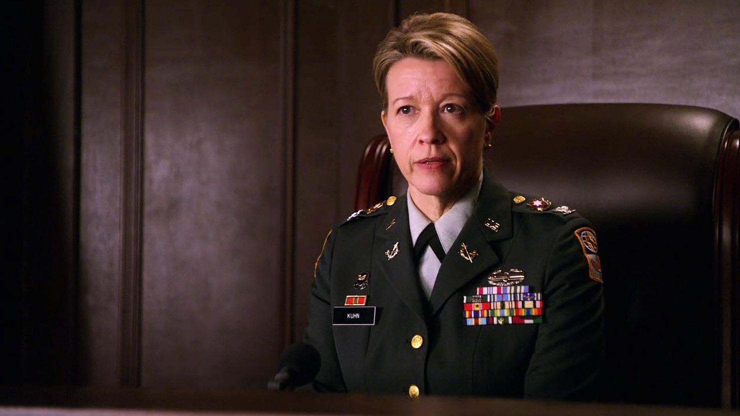 Colonel Leora Kuhn (Linda Emond)
