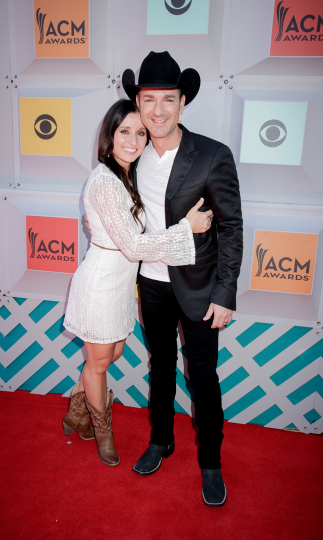 2016 ACMs: Craig Campbell and Mindy Ellis
