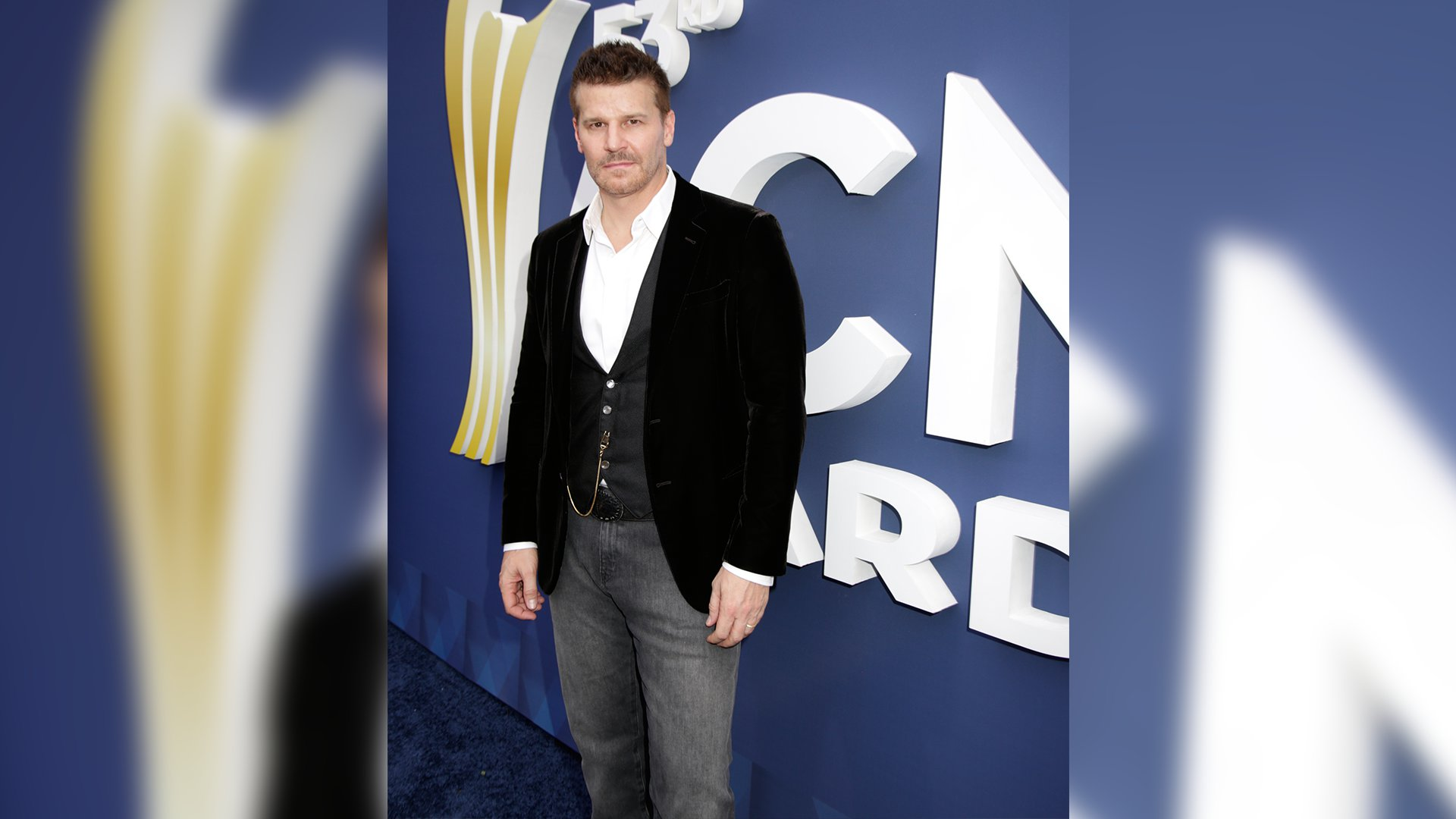 SEAL Team star David Boreanaz rolls through Vegas to present an ACM Award to one lucky winner.