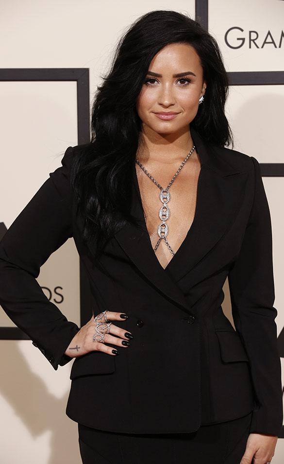 GRAMMYs 2016: Demi Lovato