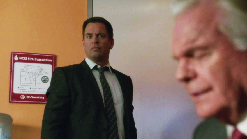 He gets DiNozzo, Jr. wound up