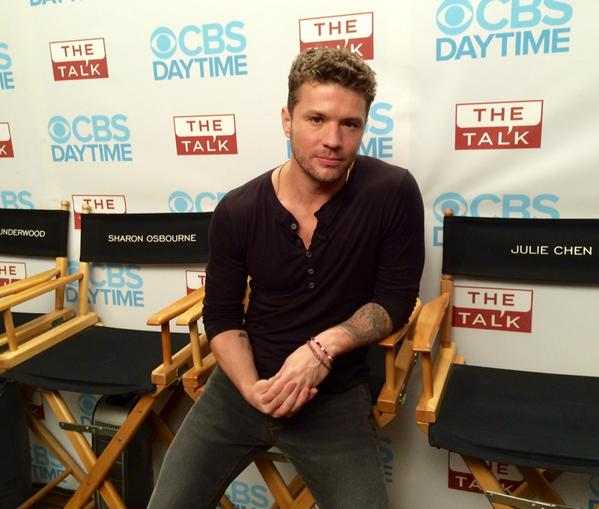 6. The Ladies Caught Up WIth Ryan Phillippe.