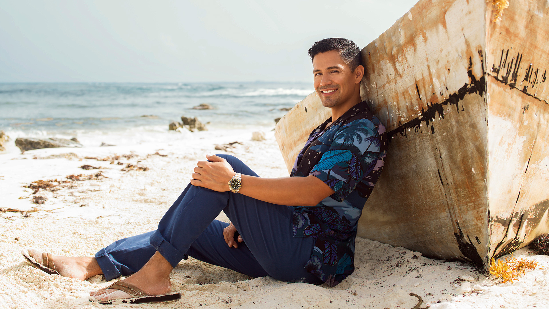Jay Hernandez has big sandals to fill