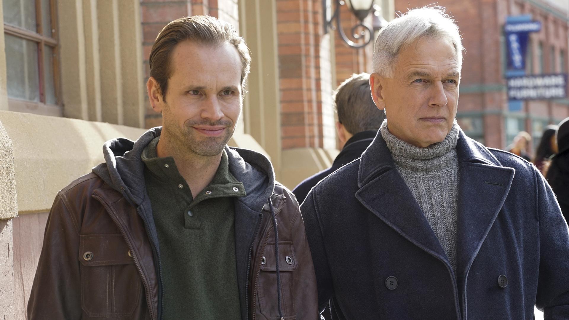 Gibbs keeps his cool around Bodie (Tobias Jelinek).