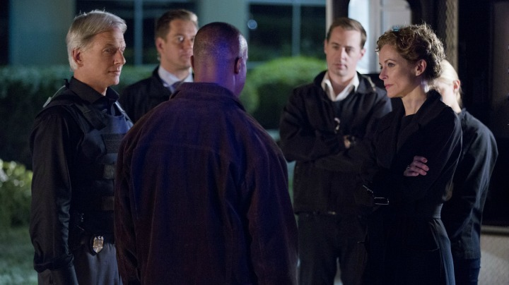Rocky Carroll as Leon Vance, Mark Harmon as Leroy Jethro Gibbs, Leslie Hope as Sarah Porter, Michael Weatherly as Anthony DiNozzo, Sean Murray as Timothy McGee, and Emily Wickersham as Ellie Bishop