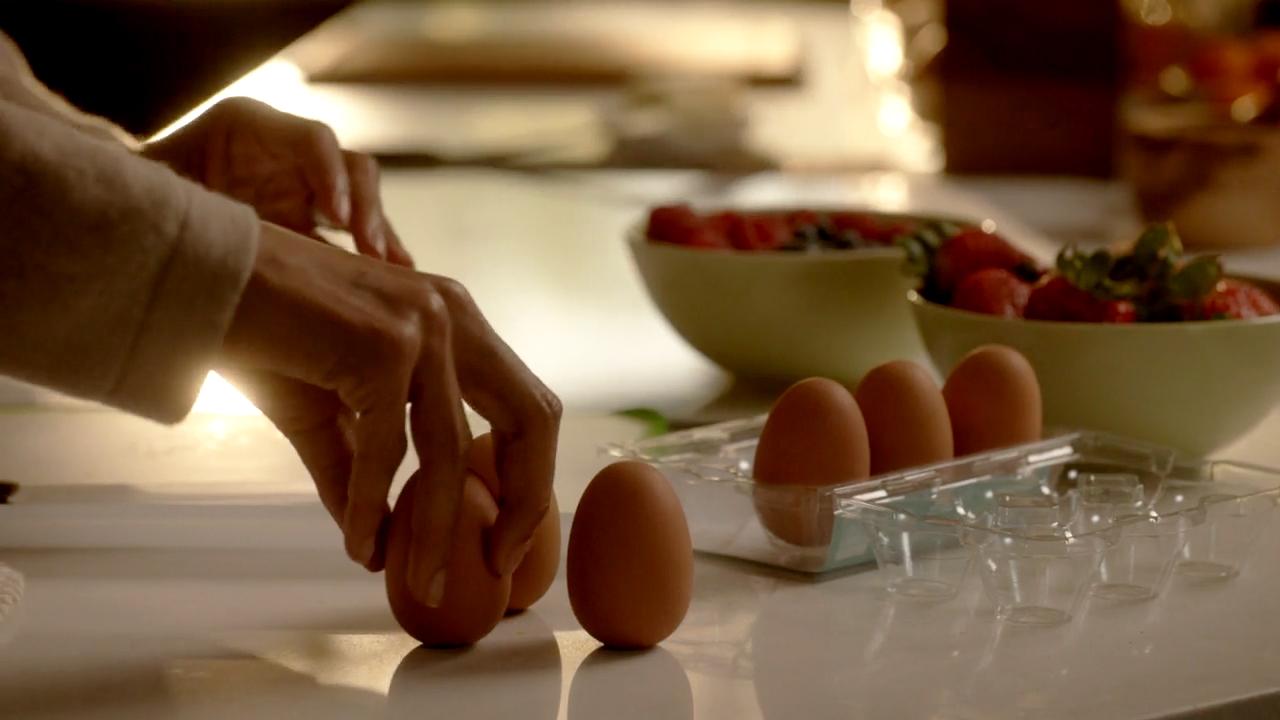 16. Flat-Bottomed Eggs