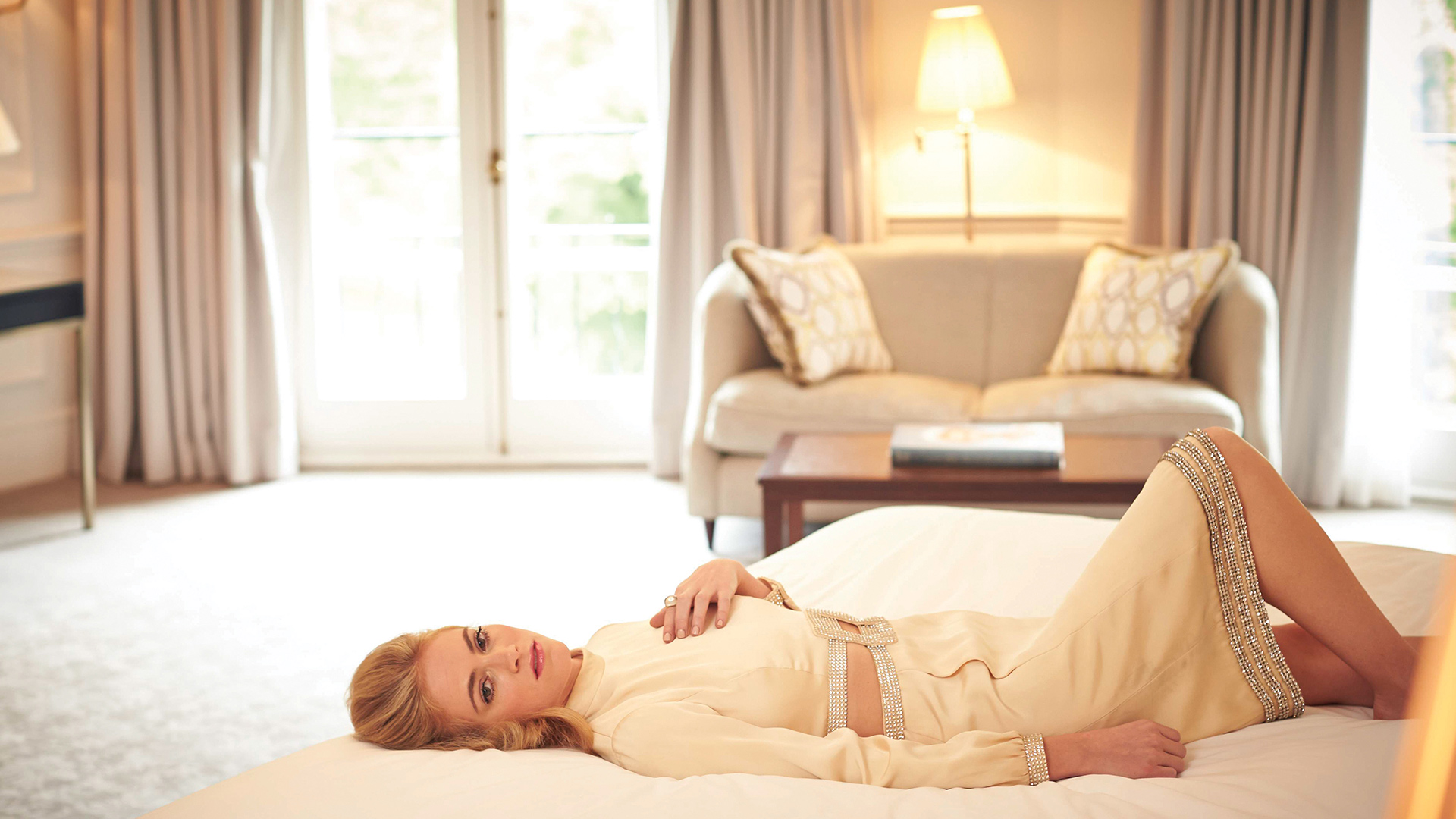 Emily Wickersham knows how to relax