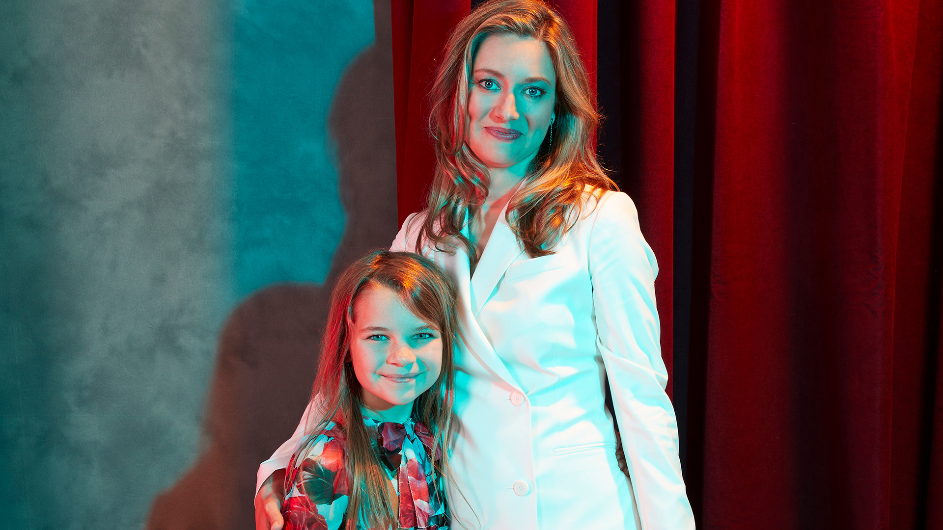 Young Sheldon: Raegan Revord and Zoe Perry