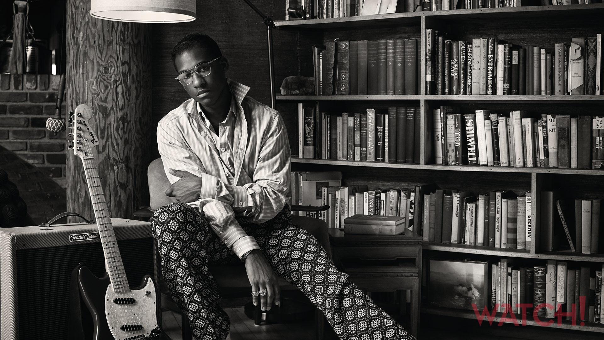 Leon Bridges brings the funk