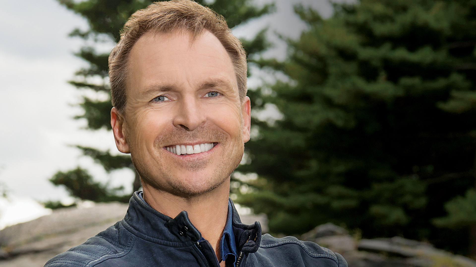 The best of The Amazing Race—as chosen by the guy who's seen it all—Phil Keoghan.