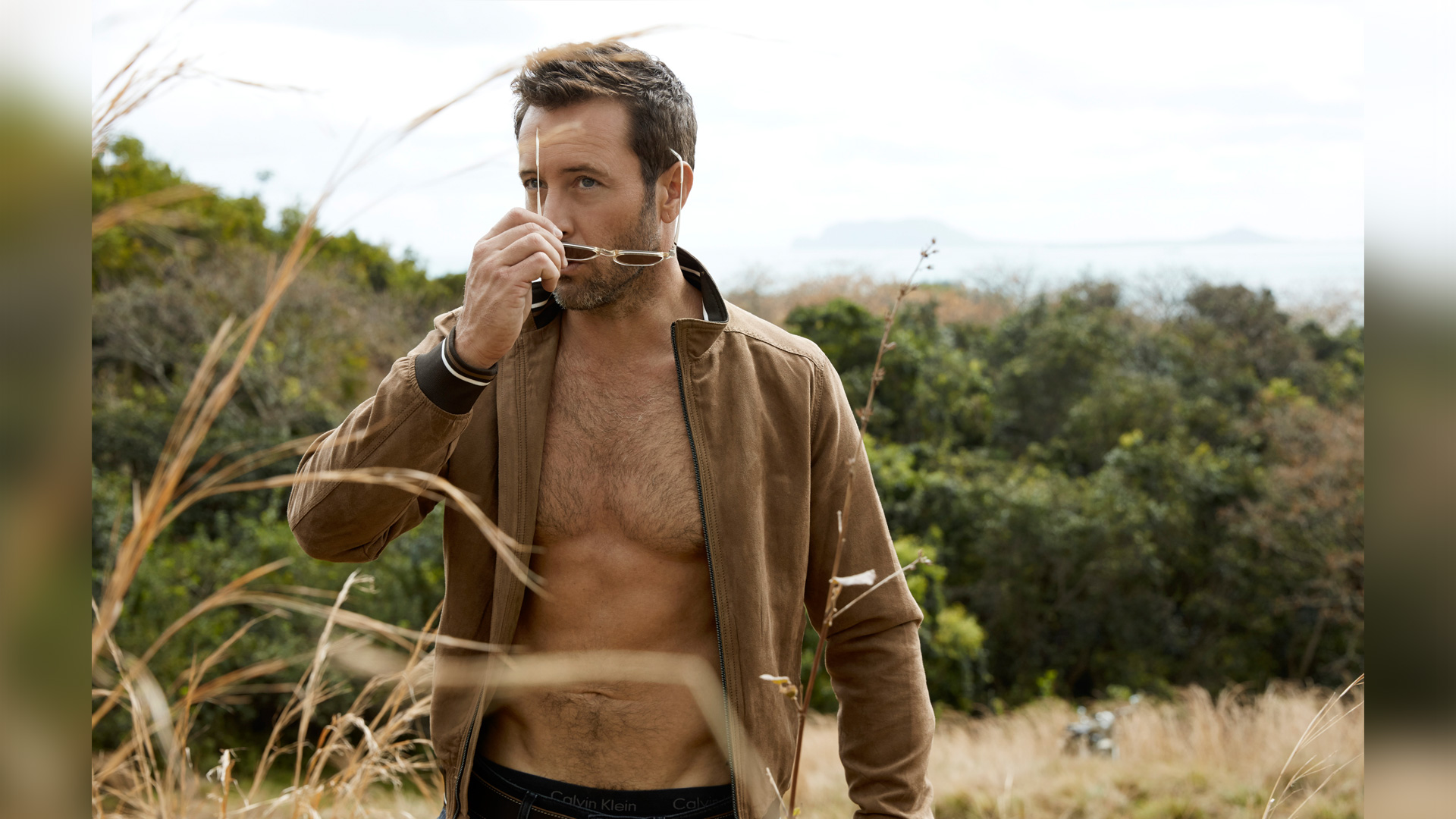 Hawaii Five-0 star Alex O'Loughlin shows off his rugged good looks in these gorgeous photos
