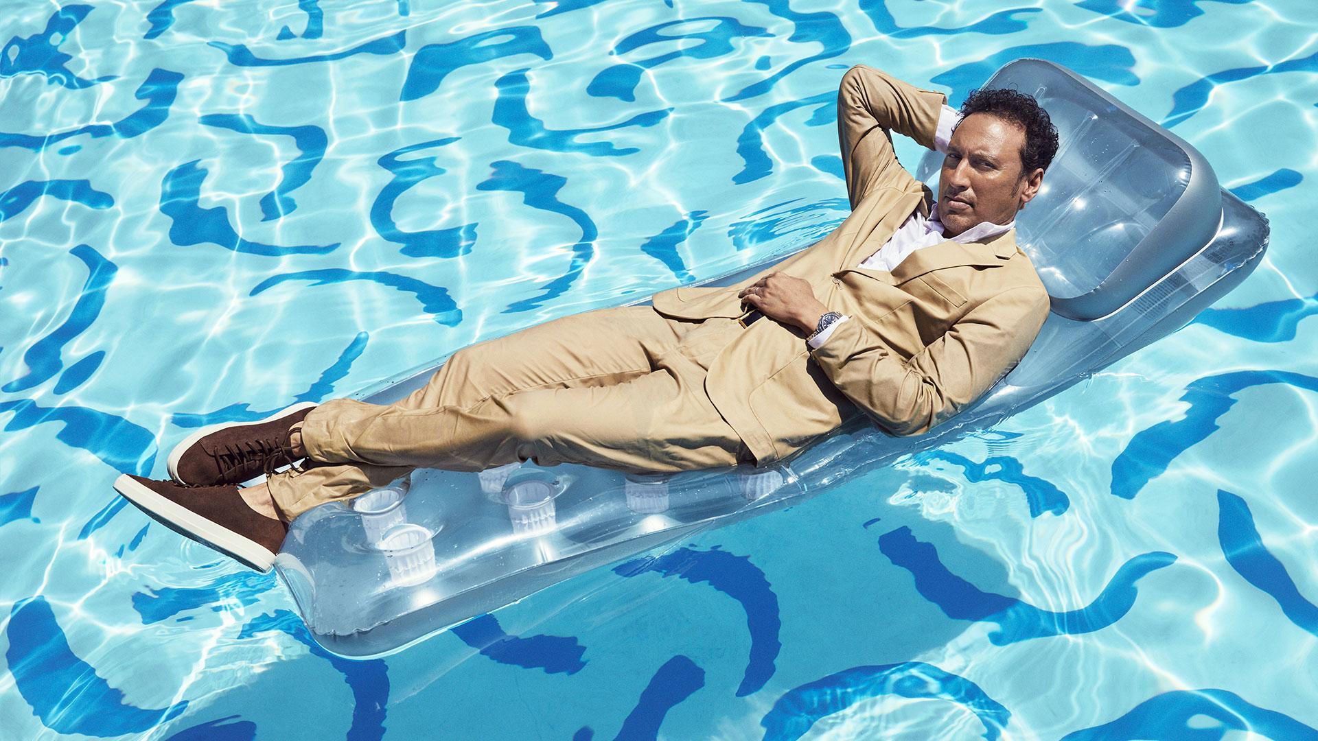 Aasif Mandvi stays afloat