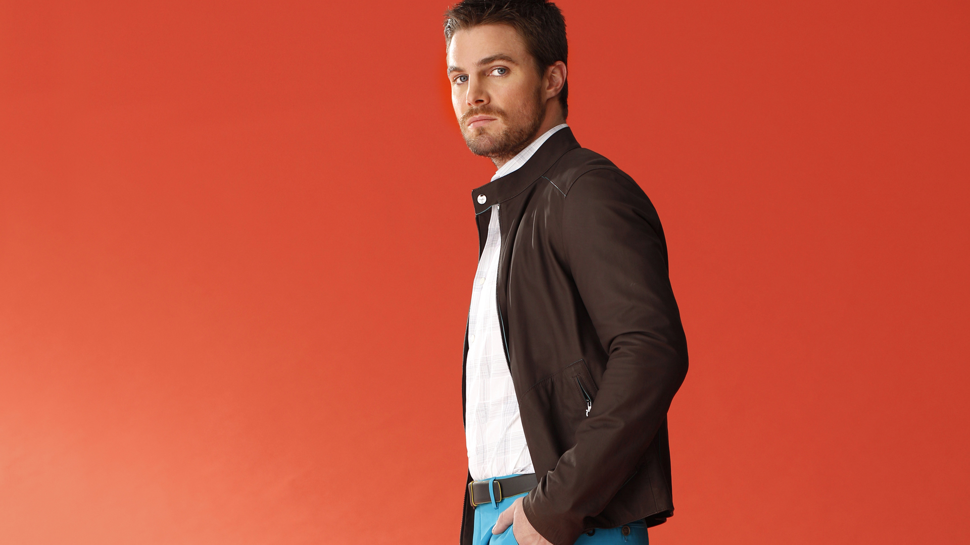 No doubt about it, Stephen Amell is one stylish superhero