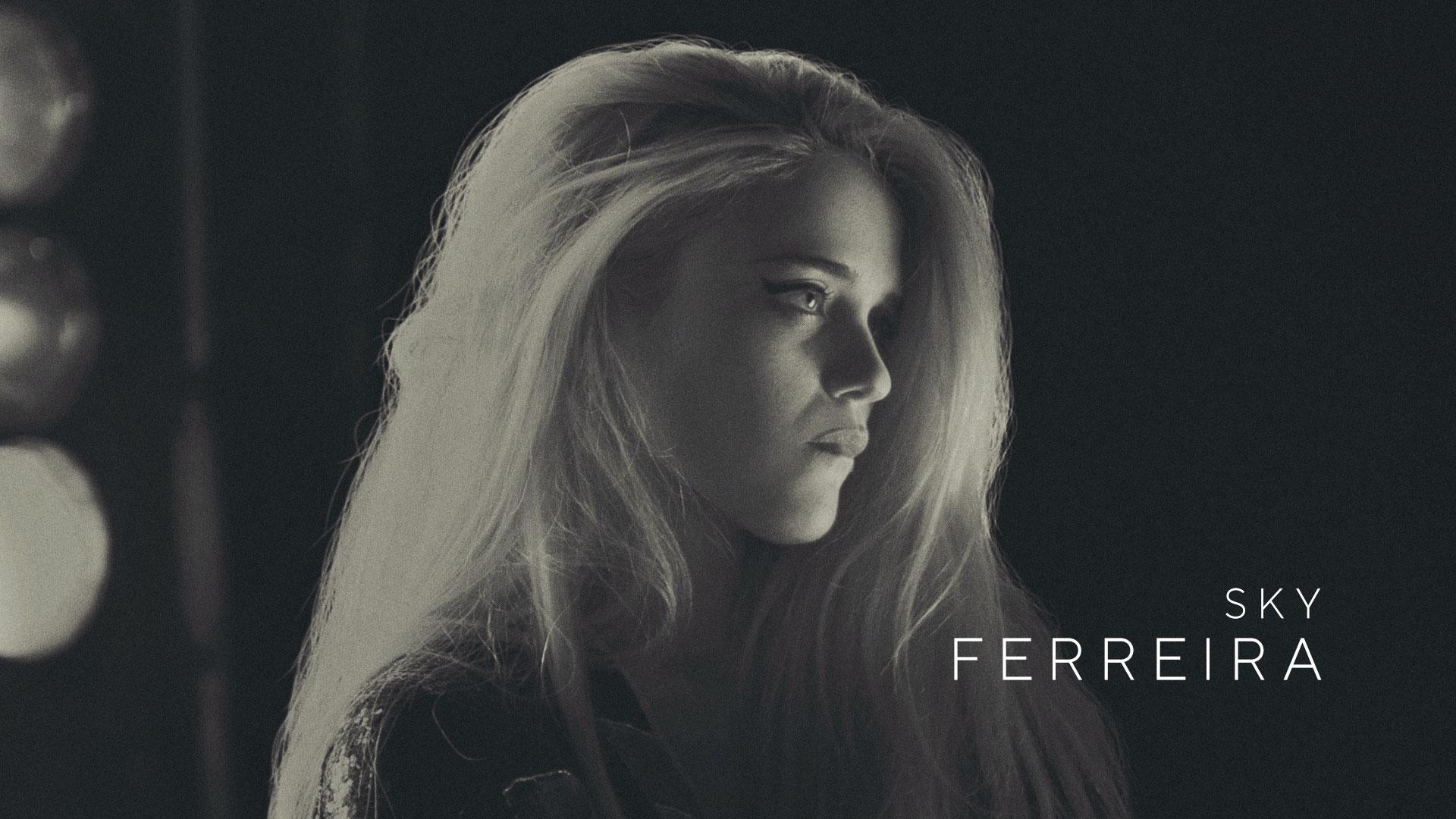 Sky Ferreira as Fiji in